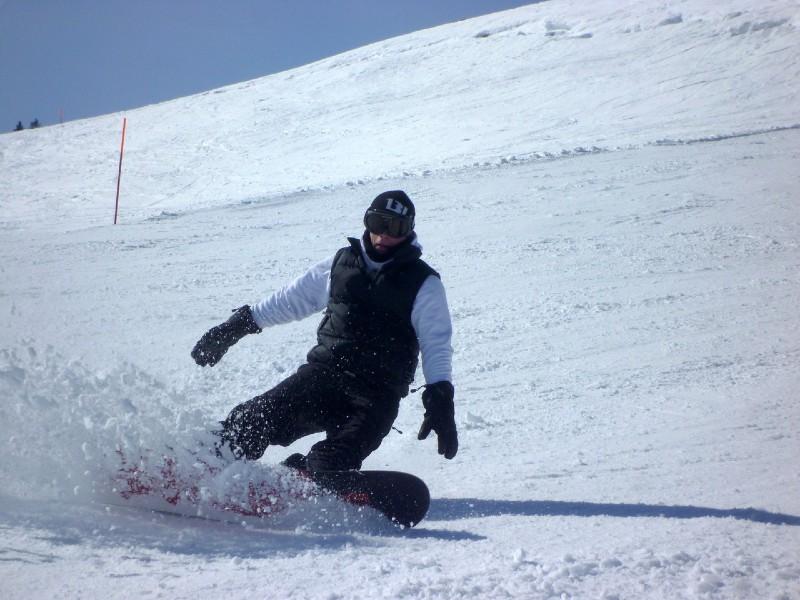 czy snowboard obciąża kolana w dużym stopniu?