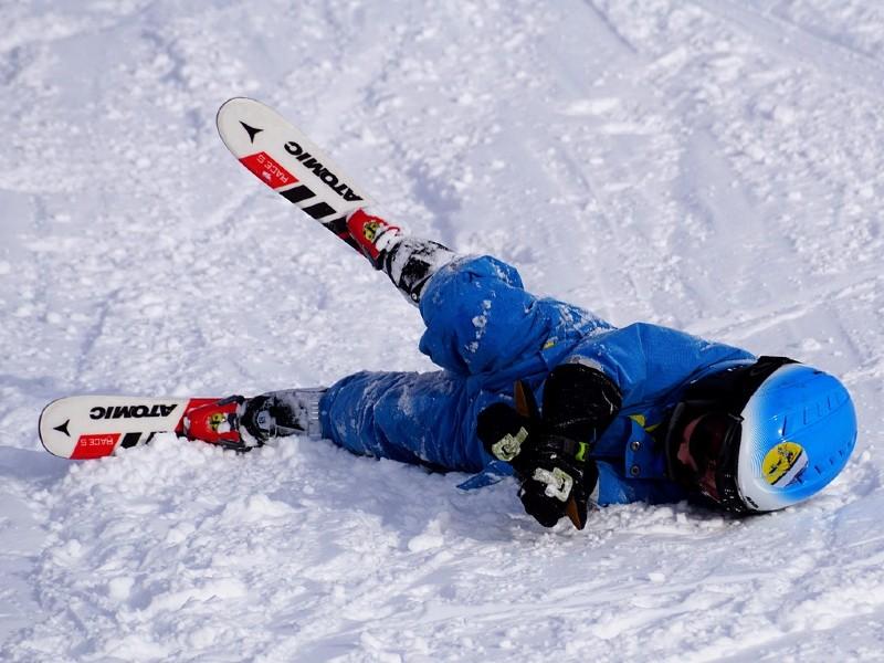 jak upadać na nartach?